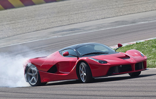 test-review-laferrari-ferrari