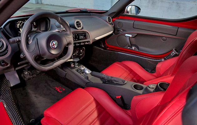 2015-Alfa-Romeo-4C-31
