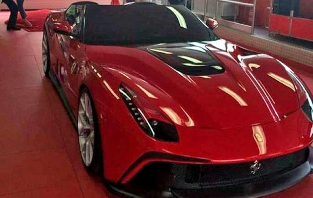 Ferrari-F12-TRS-gal-01