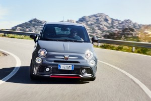 170327 Abarth 695XSR Action 6