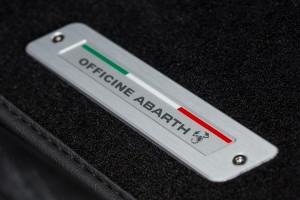 170327 Abarth 695 & XSR Detail 08