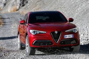 Alfa-Romeo-Stelvio-2017-002
