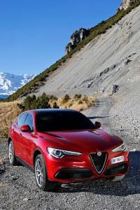 Alfa-Romeo-Stelvio-2017-009