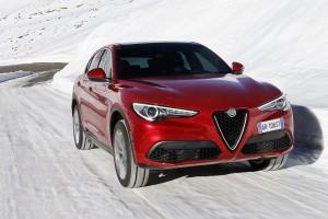 Alfa-Romeo-Stelvio-2017-013
