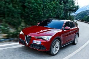 Alfa-Romeo-Stelvio-2017-019