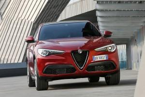 Alfa-Romeo-Stelvio-2017-024