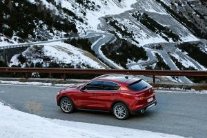 Alfa-Romeo-Stelvio-2017-027