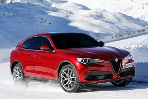 Alfa-Romeo-Stelvio-2017-028