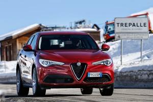 Alfa-Romeo-Stelvio-2017-032